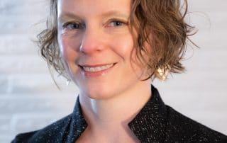 Amanda Mueller headshot